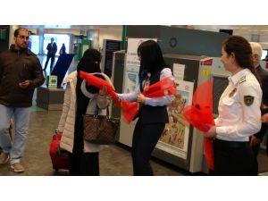 Havaalanı gümrüklerinde en çok kaçak sigara ve elektronik eşya yakalanıyor