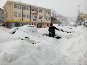 Başçiftlik'de Kar Kalınlığı 1.5 Metreyi Geçti