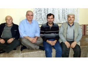 AK Parti'den Yangın Mağduru Aileye Ziyaret Ve Yardım
