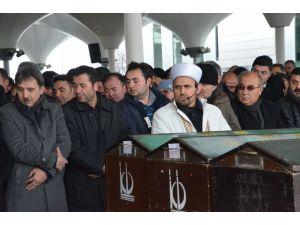 Ankara'da aile katliamında ölen 4 kişi toprağa verildi