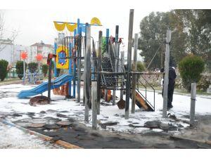 Aydın'da çocuk oyun parkı yandı