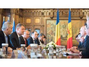 Romanya: Reformlar konusunda samimiyet görürsek Moldova'ya kredi veririz
