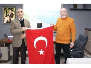 Sinop TSO'dan Okullara Bayrak
