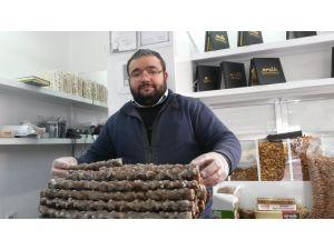 Elazığlılar, soğuk kış günlerinde vücut dirençlerini orcikle artırıyor