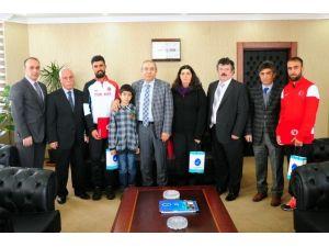 Rektör Battal Milli Atletleri Kabul Etti