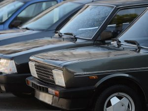 Eski model araç sahibi 'gençlere' sigorta şoku