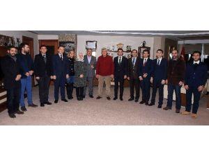 Başkan Karaosmanoğlu, Kent Konseyi Gençleriyle Bir Araya Geldi
