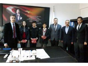 Ergani'de TEOG Birincilerine Ödül