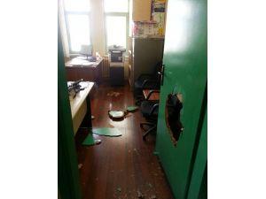 Bir Gecede Üç Okula Saldırı