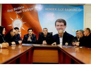 Başkan Zeki Toçoğlu AK Parti Hendek İlçe Başkanlığının Toplantısına Katıldı
