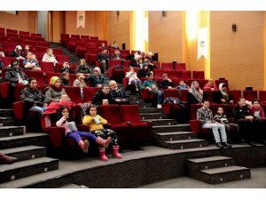 SGM'de 'Ters Yüz' Filmi Gösterimi Başladı