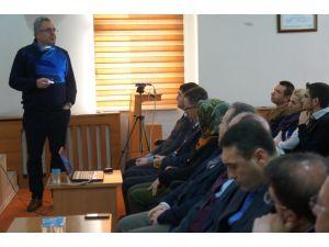 Prof. Dr. Yavaş, Erzurum'da 'Cern'i anlattı
