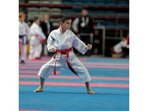 Yıldız Karateciler Bursa'da buluştu