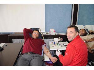 Yozgat Belediyesinden Kızılay'a Kan Bağışı