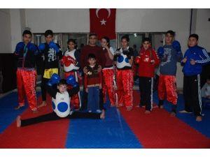 Muay Thai Sporcuları Türkiye Şampiyonasına Hazırlanıyor