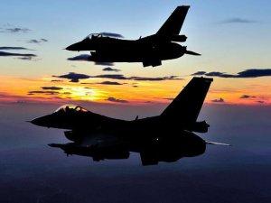 Mısır'da F-16 savaş uçağı düştü