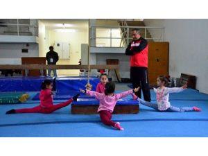 Artistik Cimnastik İl Seçme Müsabakaları Tamamlandı