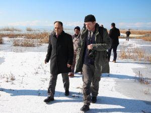 Başkan Özaltun Fotoğraf Sanatçılarıyla Bir Araya Geldi
