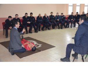 Bilecik M Tipi Kapalı Ceza İnfaz Kurumunda İlk Yardım Eğitimi Verildi