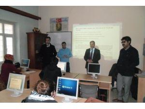Ergani'deki Kurslarda Kadınlar Erkekleri Solladı
