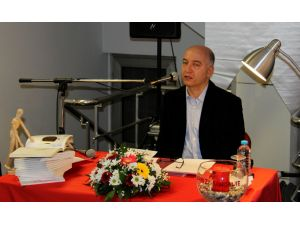 Çankaya'da 'Kırmızı Sandalye Öykü Günleri' başladı