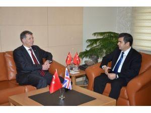 İngiltere'nin Ankara Büyükelçisi Richard Moore, Kayseri Valisi Orhan Düzgün'ü Ziyaret Etti