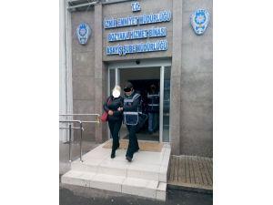 İzmir'de gece kulüplerine operasyon düzenlendi