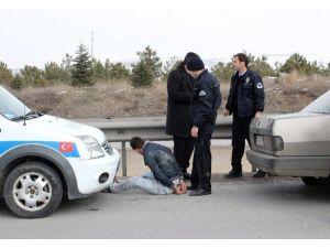 Esrar İçen Gencin Polisle Kovalamacası