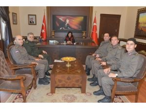 Stajyer Jandarma Subaylardan Vali Civelek'i Ziyaret
