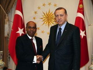 Sri Lanka Büyükelçisi Amza'dan Cumhurbaşkanı Erdoğan'a Güven Mektubu