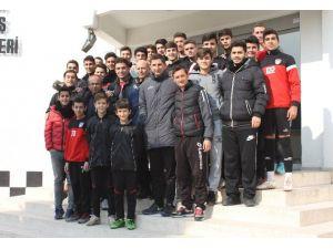 Yunus Yıldırım, Manisaspor Altyapısına Yeni Oyun Kurallarını Anlattı