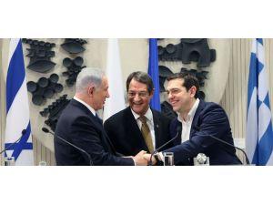 Çipras: Kıbrıs sorununa garantörsüz çözüm istiyoruz