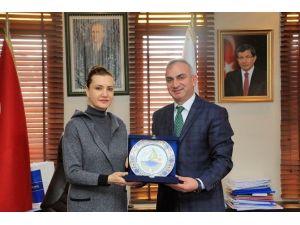 AK Parti Genel Başkan Yardımcısı Nükhet Hotar'dan Başkan Yılmazer'e Ziyaret