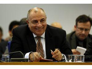 Başbakan Yardımcısı Türkeş, MİT TIR'ları sorusunu cevaplamadı