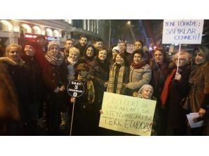 CHP Ankara İl Kadın Kolları Üyelerinden, Bağdat Caddesindeki Tecavüz Olayına Gece Protestosu