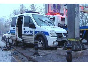Ankara'da polis aracı kaza yaptı