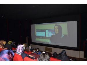Suriyeliler İçin Kermes Ve Belgesel Gösterimi