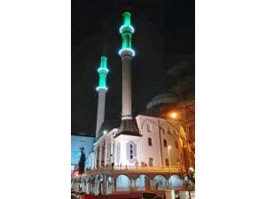 İzmit'teki Camilere Mahya Takılacak