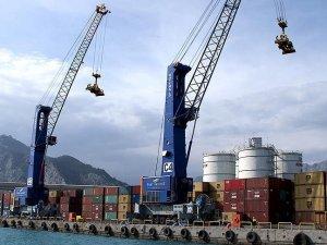 Dış ticaret açığı 2015'te azaldı