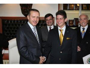 AK Parti İzmir İl Gençlik Kolları Başkanı Belli Oldu