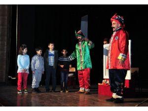 Kent Tiyatrosu Şubat Ayında Çocuklar İçin Perde Diyecek