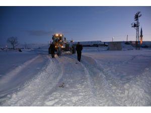 Ardahan Belediyesi Karla Mücadeleyi Sürdürüyor