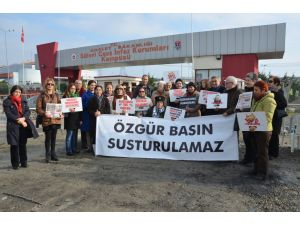 Umut nöbetini Ahmet Taner Kışlalı'nın kızı tuttu