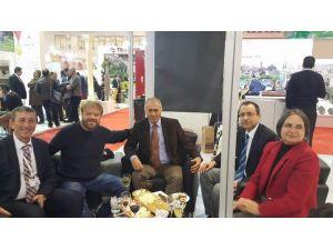 Atilla Atasoy'dan Tekirdağ Büyükşehir Belediye Standına Ziyaret