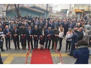 Vali Civelek, AVM Açılışı Yaptı