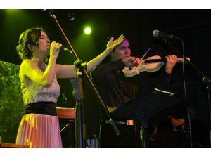 Kayahan'ın Şarkıları, Kanser Hastası Kadınlara Umut Oldu
