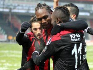 Galatasaray Maçında Gözler Habibou'da Olacak