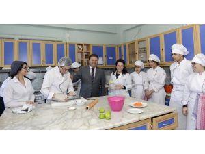Mutfak Okuluyla 35 Kadın İstihdam Edilecek