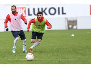 Trabzonspor, Akhisar Belediyespor sınavlarına hazırlanıyor