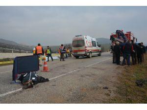 Cenaze arabası kaza yaptı: 4 ölü, 3 yaralı